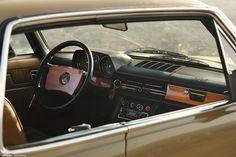Mercedes Benz W114 280C 1975