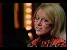A very young Jennifer performs a song from the musical 'Hair'. From the Smother Brothers show. Jennifer Warnes, Musical Hair, Jim Reeves, U Tube, My Favorite Music, Rock And Roll, Music Videos, Hip Hop, Universe