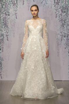 チュールの長袖が上品フェミニン♡清楚な女性に似合うドレス♡ モニークルイリエの花嫁衣装・ウエディングドレスまとめ。