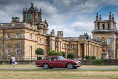 Photo gallery from the Hope Classic Rally held July, 2015 from Mercedes-Benz World in Brooklands, Surrey to Blenheim Palace in Oxfordshire. Cool Old Cars, Nice Cars, Mercedes Benz World, Blenheim Palace, Aston Martin Db5, Brick And Mortar, Shabby Chic Homes, Surrey, Getting Out