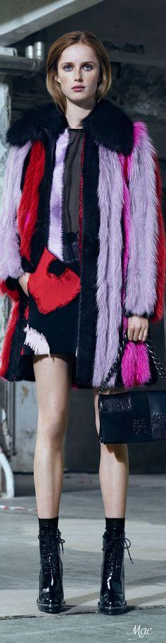 Pre-Fall 2016 Versace