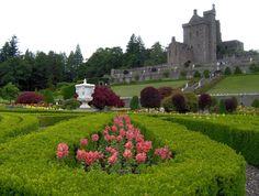 Scotland, Sidewalk, Castle, Mansions, The Originals, House Styles, Building, Image, Home Decor