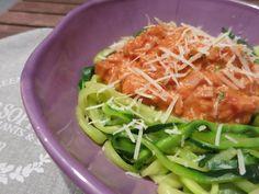 Zucchini-Nudeln (Zudeln) mit Mortadella-Bolognese - Nix Mama Mirácoli, sondern Bella Cucina à la Betti