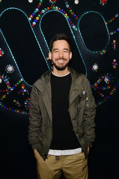 Linkin Parks Mike Shinoda Lists Home Previously Owned by Both Tom Arnold and Paula Abdul - Linkin Park musician Mike Shi Women In History, Art History, First Rapper, Nomad Hotel, Beverly Hills Mansion, Evan, Linkin Park Chester, Escape The Fate, Three Days Grace