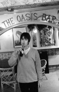 Liam Gallagher Oasis, Noel Gallagher, Oasis Band, Britpop, Paul Mccartney, Cool Bands, Lima, Music Artists, Fangirl