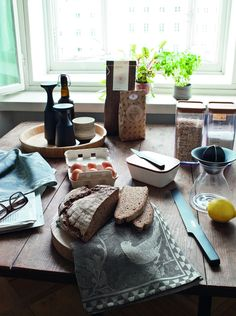Linen Shop, Textiles, House In The Woods, Kitchen Towels, Home Accessories, Fritz, Product Ideas, Food, Inspiration