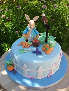 Super cute Peter Rabbit cake for a birthday or christening Peter Rabbit Cake, Peter Rabbit Birthday, Peter Rabbit Party, Beautiful Cakes, Amazing Cakes, Beatrix Potter Cake, Spring Cake, Fall Cakes, Specialty Cakes