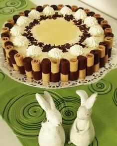 Traumhafte Eierlikör - Sahne Torte 18 cake, cake pops, cake ne demek, cake pops tarifi, cake by the Baking Recipes, Cookie Recipes, Dessert Recipes, Food Cakes, Torte Au Chocolat, 18th Cake, Torte Recipe, Torte Cake, Cupcakes
