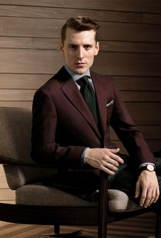 Ermenegildo Zegna Su Misura Collection PREMIUM CASHCO Made from a unique blend of premium cashmere and cotton, this PREMIUM CASHCO burgundy blazer is a winter must. Softly structured, it guarantees comfort and understated elegance.