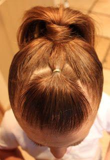 Un buen truco para recoger todo el pelo cuando tienen flequillo.