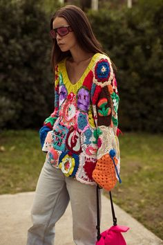 Milan Street Style Offered Some Very Good Ideas About Hats Knitwear Fashion, Crochet Fashion, Crochet Designs, Crochet Clothes, Pulls, Knit Crochet, Ideias Fashion, Creations, Fashion Outfits
