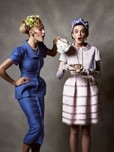 "Tatler UK Mai 2011, ""Racy Ladies"". Modèles : Sacha Blue,Elena Sudakova"