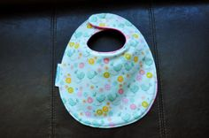 Birds Drool Bib by SpoonerSistersDesign on Etsy, $10.00 Bibs, Gift Ideas, Trending Outfits, Unique Jewelry, Handmade Gifts, Etsy, Vintage, Kid Craft Gifts, Burp Cloths