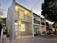 Mind Blowing Century Terrace House in Sydney - terrasse Architecture Design, Australian Architecture, Australian Homes, Beautiful Architecture, Melbourne Architecture, Victorian Terrace House, Victorian Homes, Park Homes, House Goals