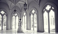 Beautiful Cathedral windows in our East Jardin #chateaucocomar #bridal #portraits #houstoncastle