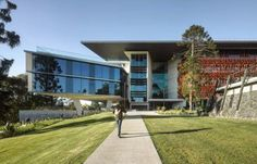 Advanced Engineering Building by HASSELL and Richard Kirk Architect