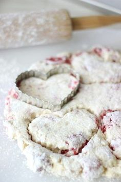 White Chocolate Raspberry Scones - Raspberries - Ideas of Raspberries - Fresh raspberry scones that are light and melt in your mouth buttery. Perfect for a Sweetheart's breakfast on Valentine's Day! Chef Recipes, Sweet Recipes, Baking Recipes, White Chocolate Raspberry Scones, Raspberry Scones Recipe Easy, Fresh Raspberry Recipes, White Raspberry, Raspberry Cupcakes, Blueberry Scones