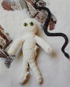 Picture of Super Scary Crochet: 35 Gruesome Pattern to Sink Your Hook Into