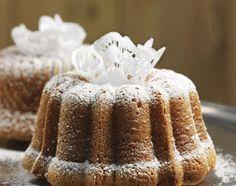 Vanille-Gugelhopf - Rezeptdatenbank - Swissmilk Swiss Desserts, Vanilla Cake, Sweet Treats, Recipes, Bundt Cakes, Ajouter, Food, Dreams, Vanilla Sugar