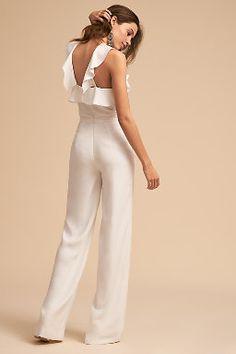 ML Monique Lhuillier Ivory Fremont Jumpsuit Jumpsuit Elegante, Elegant Jumpsuit, Bridal Pants, Wedding Jumpsuit, Jumpsuit Pattern, Little White Dresses, Look Chic, Jumpsuits For Women, Elegant Dresses