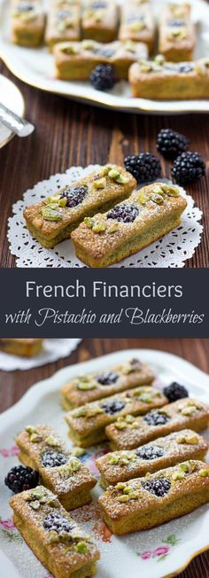 French Financiers with Blackberries Financiers are traditional bite-sized French treats. Made with pistachio and almond flour, these French Financiers with Blackberries are an attractive dessert that's a melt-in-your mouth delight. French Deserts, French Dessert Recipes, French Almond Cake Recipe, French Sweets, French Cookies, French Cake, French Food, French Christmas Food, Desserts Français