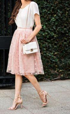 21 Stylish Ways to Wear Pink This Summer: Feminine Pink Skirt Outfit Pink Outfits, Modest Outfits, Modest Fashion, Fashion Outfits, Fashion Ideas, Pink Fashion, Ladies Fashion, Fashion Fashion, Dots Fashion