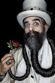 The most outrageous beards grown to man ... Is it wrong that Im falling in love with him???  #Amazmerizing