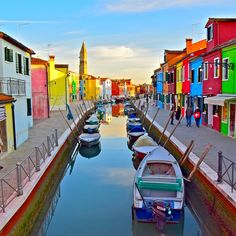 "149 Likes, 3 Comments - Rob & Kari Stiles (@travelinstiles) on Instagram: ""Blown away by the bright bold beautiful colors of Burano. Venice, Italy #365travelpics #travelphoto…"""