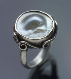 Ring - Tadema Gallery  ARTS & CRAFTS Ring Silver Pearl  OriginBritish, c. 1910 CaseRing Case Diameter1.60 cm (0.63 in) Arts & Crafts Ring