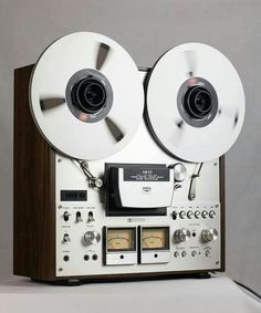 """Vintage audio AKAI GX-630B reel to reel; MANY musicians and musician-hopefuls made their """"demo recordings"""" on a deck like this!"""