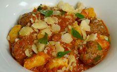 Nhoque de batata com almôndegas, molho de tomate e manjericão - Receitas - Receitas GNT