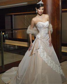 Princess Strapless Wedding Dresses Sweetheart Chapel Train Lace