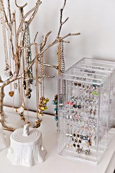 design dump: ORC finale: a teen bedroom in peach + mustard - west elm jewelry tree