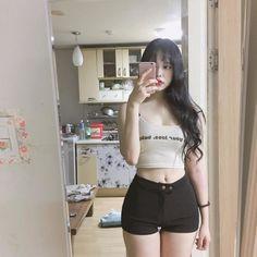 Except longer tank and shorter hair. Sexy Asian Girls, Beautiful Asian Girls, Korean Beauty, Asian Beauty, Uzzlang Girl, Girl Fashion, Womens Fashion, Girl Body, Korean Outfits