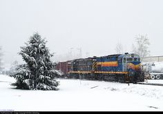 RailPictures.Net Photo: LAL 428 Livonia, Avon & Lakeville Alco C425 at Lakeville, New York by Mike Stellpflug