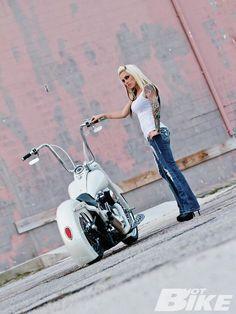 Harley Davidson News – Harley Davidson Bike Pics Cool Motorcycles, Harley Davidson Motorcycles, Triumph Motorcycles, Vintage Motorcycles, Lady Biker, Biker Girl, Girl Pose, Chicks On Bikes, Davidson Bike