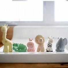 Badspeeltjes 'My First Tikiri Zoo Krokodil' van het merk Tikiri via ilovespeelgoed.nl, de online speelgoedwinkel voor bijzonder speelgoed.