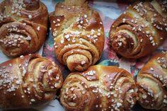 Ainoa korvapuustiohje, jonka tarvitset - tästä ei pulla parane! Swedish Recipes, Sweet Pastries, Yams, Pretzel Bites, Coffee Cake, Food Inspiration, Sausage, Sweet Tooth, Cheesecake