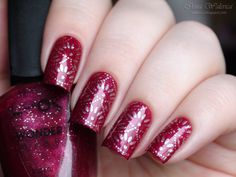 Stunning Red & Silver Stamping Nails : http://walerica.blogspot.ru/2015/01/born-pretty-naillook-wonder-wear-20123.html