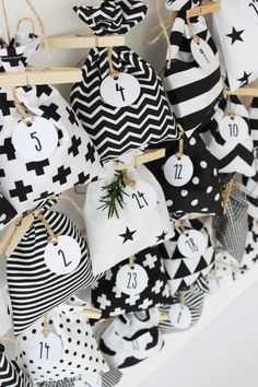 24 látkových pytlíčků na malé adventní dárečky SEW4HOME Xmas Theme, Christmas Inspiration, Snoopy, Blog, Facebook, Decor, Advent Calenders, Christmas, Gifts