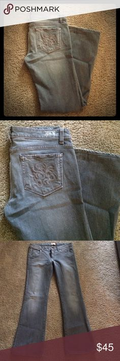 Paige premium denim gray jeans 30 laurel canyon In good condition cage premium denim  Laurel Canyon jeans. 98% cotton 2% spandex they are a gray color. Bought at Nordstrom Paige Jeans Jeans Boot Cut