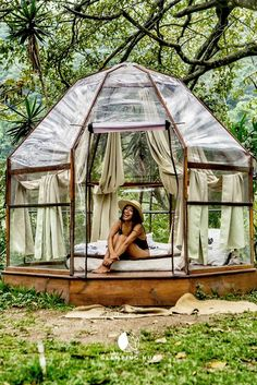 Glamping Dome for a Unique Getaway near Pacaya Volcano in Es Outdoor Spaces, Outdoor Living, Outdoor Decor, Outdoor Office, Pacaya, Outdoor Movie Nights, Camping Glamping, Camping Hacks, The Great Outdoors
