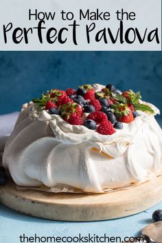 Looking for an elegant dessert to serve at your next dinner party? This pavlova is an easy recipe, perfect for a crowd. A classic Australian dessert, the pavlova is definitely a show stopper. This is a gorgeous dessert for all year r Australian Pavlova Recipe, Australian Desserts, Australian Recipes, Pavlova Toppings, Lemon Curd Pavlova, Strawberry Pavlova, Mini Pavlova, Christmas Pavlova, Vanilla