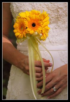 bridal bouquets with sunflowers | sunflower bouquets simple sunflower bouquets Sunflower Bridal Bouquet ...