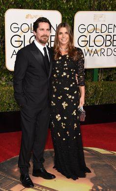 El actor Christian Bale y su mujer, Sibi Blazic, ambos de negro.