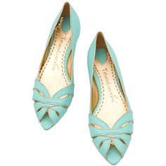 Cute summer flats, love the color and the open top Pretty Shoes, Beautiful Shoes, Cute Shoes, Me Too Shoes, Dream Shoes, Crazy Shoes, Pumps Heels, Shoes Sandals, Shoes World