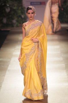 Pallavi Jaikishan yellow saree