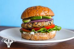 Try this Sesame Tuna Steak Burger from the FitMenCook app
