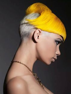 Seeing the artistic visions of hair styles that have helped shape fashion trends around the world. Funky Hairstyles, Short Hairstyles For Women, Short Hair Cuts, Short Hair Styles, Creative Haircuts, Vibrant Hair Colors, Very Short Haircuts, Corte Y Color, Hair Photography