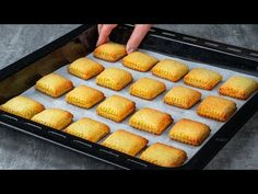 Griddle Pan, Diy Food, Hot Dog Buns, Baked Goods, Deserts, Food And Drink, Bread, Cookies, Baking